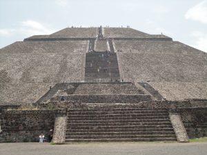 Pirâmide do sol em Teotihuacan