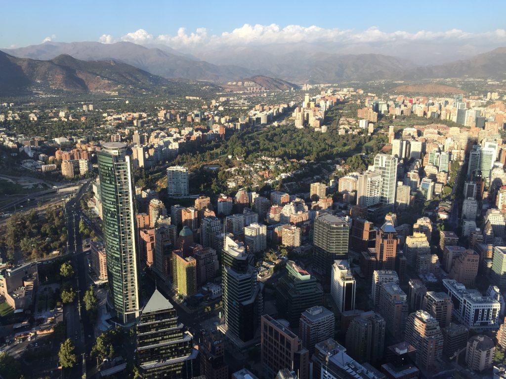 vista da cidade de Santiago a partir do Sky Costanera